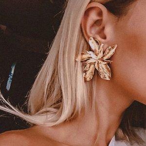 Brand new!!!  Large flower drop metal earrings